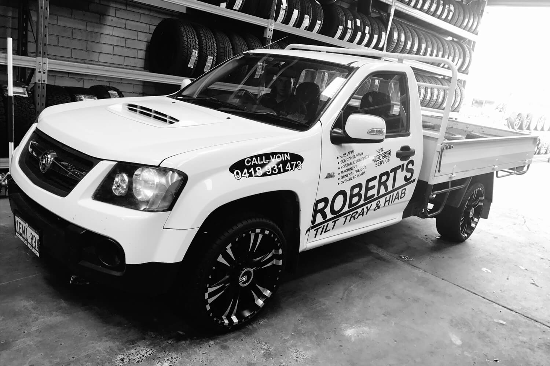 Robert's Tilt Tray & Hiab Services hot shots courier