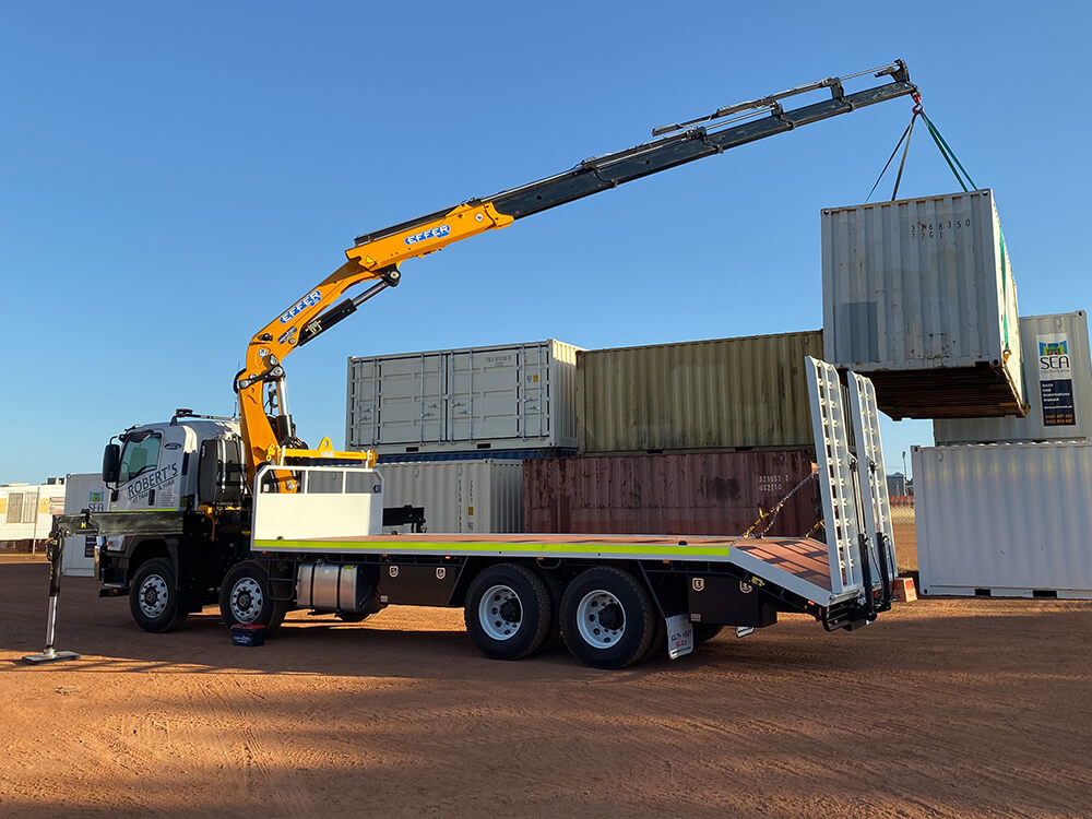 ISUZU FYJ HIAB TRUCK WITH BEAVERTAIL LOADING CONTAINER