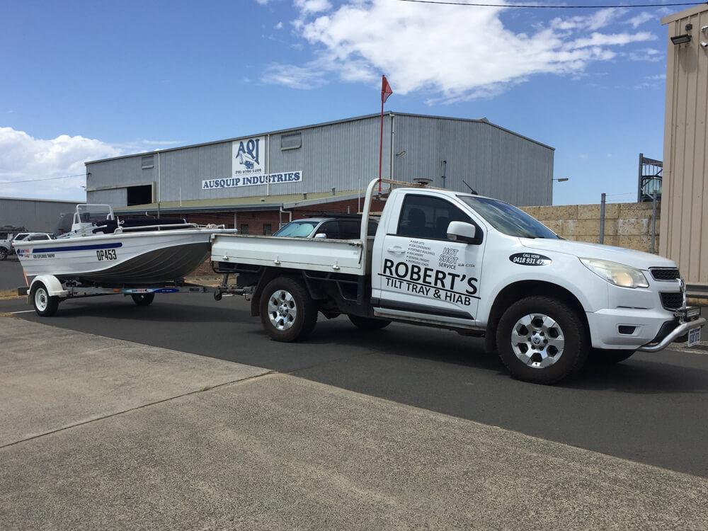 2013 HOLDEN COLORADO 4WD UTE TOWING BOAT